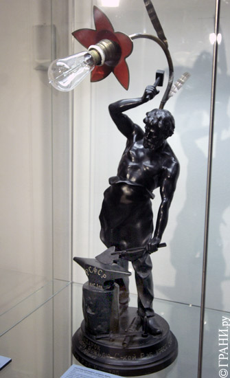 10. Настольная лампа, 20-е гг. Фото Д.Борко/Грани.ру
