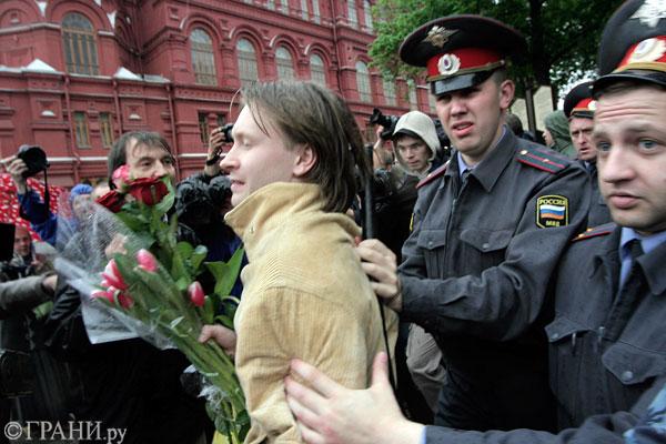 Алексеев был задержан сотрудниками Организатор майского гей-пара…