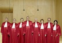 Судьи кс германии фото с сайта суда