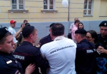Задержание Михаила Кригера. Фото Юрия Тимофеева/Грани.Ру