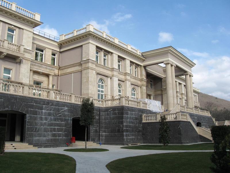 Дворец для президента при этом работы
