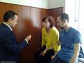 Процесс 12-ти. Александра Духанина с другом, адвокат Бадамшин. Фото Дмитрия Борко/Грани.ру